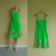vintage 50s designer sundress . irish kelly green with tulip floral dress . xs