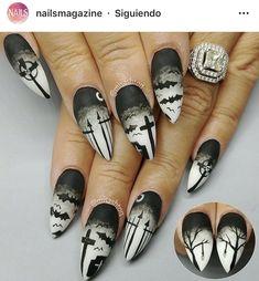 Halloween design, halloween nail art, white nail polish, gel nail polish, w Dark Acrylic Nails, Halloween Acrylic Nails, Halloween Nail Designs, Goth Nail Art, Goth Nails, Nail Art Diy, Gorgeous Nails, Pretty Nails, Video Halloween