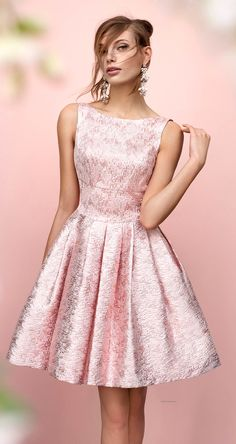 Beautiful dress!!! (don't know how to order it)                                                                                                                                                                                 Más
