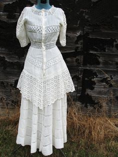 Vintage early 1900s Victorian LACE Summer WEDDING DRESS