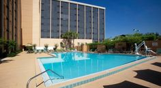 Best Western Orlando Gateway Hotel Orlando Located in Orlando, Florida, this hotel offers free shuttle transportation to SeaWorld, Universal Studios Orlando and more. It features on-site dining and rooms include a flat-screen TV.