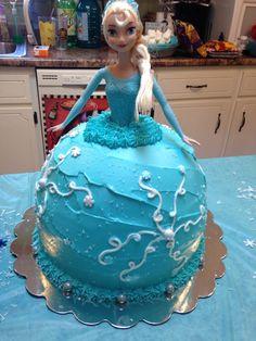 Elsa Barbie Doll Frozen cake