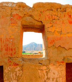 El Color rojo predomina en sus paredes