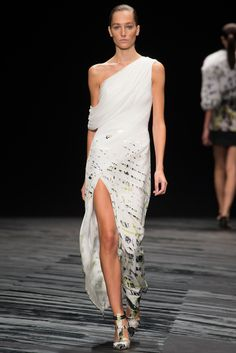 J. Mendel | Spring 2015 Ready-to-Wear | 06 White printed asymmetrical shoulder midi dress with side slit