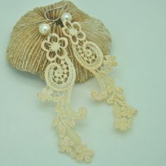 Ivory lace earring