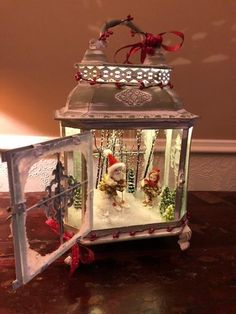 Christmas Store, All Things Christmas, Vintage Christmas, Christmas Holidays, Classy Christmas, Christmas Scenes, Christmas Lanterns Diy, Christmas Decorations, Christmas Interiors