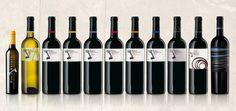 Rediseño del packaging para la familia de vinos de esta finca situada entre las provincias de Cuenca y Toledo, en la mejor zona de D. O. La Mancha. Realizamos un diseño que representase la fusión de tradición y modernidad que se da en esta selección de vinos de Finca Antigua y, que al mismo tiempo, se adaptase a los diversos varietales con los que se trabaja en esta bodega. Finca Antigua son vinos creativos y de vanguardia.