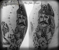 Vlad Der Pfähler, Vlad El Empalador, Dracula, Cool Tattoos, Tattoo Ideas, Bob, Skull, Tatuajes, Bob Cuts