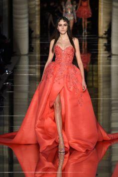 Zuhair Murad - Haute Couture Spring Summer 2016 - Shows - Vogue. Style Haute Couture, Couture Fashion, Runway Fashion, Spring Couture, Paris Fashion, Fall Fashion, High Fashion, Fashion Tips, Fashion Trends