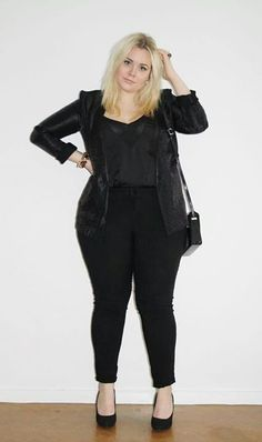 Fashionista: Plus Size Women's Black Style