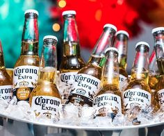 corona bier A horrible-tasting Mexican beer is so popular theres now a shortage in America Corona Extra, Corona Beer, Beer Bucket, Mexican Beer, Buy Beer, Beer Quotes, Beer Girl, Beer Brands, Beer Taps