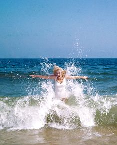 Marilyn Monroe photographed by Sam Shaw at the beach in Amagansett, New York, 1957