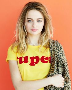 Joey King Looks Gorgeous in 'Seventeen Mexico' Cover Spread!: Photo Joey King is a stunner on the cover of Seventeen Mexico's latest issue and you can check out the full spread here! Here is what the actress, currently… Hollywood Actress Photos, Hollywood Celebrities, Sabrina Carpenter, Joey King Hot, Hunter King, Zack E Cody, King Photo, Kissing Booth, Hot Brunette