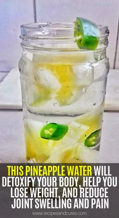 health fitness - This Pineapple Water Will Detoxify Your Body, Help You Lose Weight, And Reduce Joint Swelling And Pain! Natural Health Remedies, Natural Cures, Herbal Remedies, Natural Treatments, Natural Healing, Natural Oil, Holistic Healing, Natural Beauty, Headache Remedies