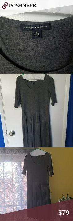 """Lovely Banana Republic grey dress for less!😉 Hello ladies, I am no longer a size 8. I worn this dress maybe twice, with a large brown belt and brown boots. It is very flattering and forgiving. It went well with my black leather jacket too ☺.  33 inches circa from round neck, 23"""" circa from the waist line. Just lovely! 👗💅👠👢#poshsistethood Banana Republic Dresses Midi"""
