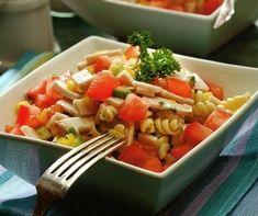 MAV Salade colorée de dinde fumée Lunch Box, Ethnic Recipes, Food, Salad, Kitchens, Healthy Balanced Diet, Fine Dining, Recipes, Essen
