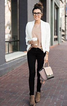 38 trendy business casual work outfit for women 17 Stylish Work Outfits, Business Casual Outfits, Curvy Outfits, Mode Outfits, Business Attire, Business Fashion, Fall Outfits, Summer Outfits For Work, Chic Outfits