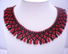 """Sistema de la joyería húngara tradicional: conjunto de gargantilla pedrería color negro y rojo     """"Traditional hungarian jewelry set: black-red color by Evasj"""