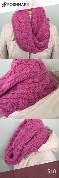 Gap | Pink Chunky Knit Infinity Scarf Chunky knit infinity scarf. 85% acrylic, 15% wool. New without tags and never worn. Super warm! GAP Accessories Scarves & Wraps