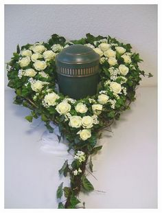 Precious Tips for Outdoor Gardens - Modern Beautiful Rose Flowers, Romantic Flowers, Love Flowers, Funeral Flower Arrangements, Funeral Flowers, Flower Backgrounds, Flower Wallpaper, Cemetery Decorations, Sympathy Flowers