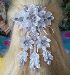 Handcrafted floral barrette por AccessoriesShop4you en Etsy
