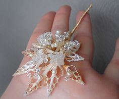 Seashell hair pin with crystal and pearl - Beach Wedding, Bridal crystal hair pin , Wedding hair pin, Swarovski hair pin in gold or silver Gold Beach Wedding, Beach Weddings, Tiara Hairstyles, Wedding Hairstyles, Pearl Beach, January Wedding, Wedding Hair Pins, Hair Decorations, White Freshwater Pearl