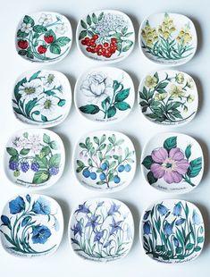Kirppisrakkautta Decorative Plates, Tableware, Home Decor, Dinnerware, Decoration Home, Room Decor, Tablewares, Dishes, Home Interior Design