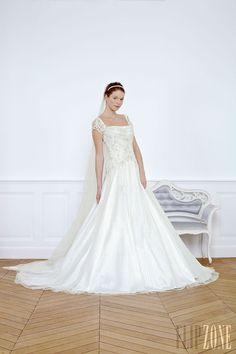 Georges Hobeika - Bridal - 2013 collection - http://en.flip-zone.com/fashion/bridal/couture/georges-hobeika