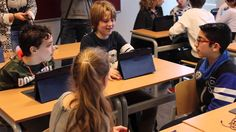 Compilatiefilm van de lesmethode Social Media Rijbewijs voor onderbouw VO. Docenten en leerlingen leren internet en sociale media veilig en doelgericht in te zetten.