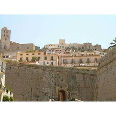 Ibiza (Isole Baleari) #ibiza #eivissa #baleares #spain #españa #spagna #isolebaleari #baleari #isola #island #ibizastyle #instaibiza #instaeivissa #travel #travels #traveling #europe #viaggi #europa
