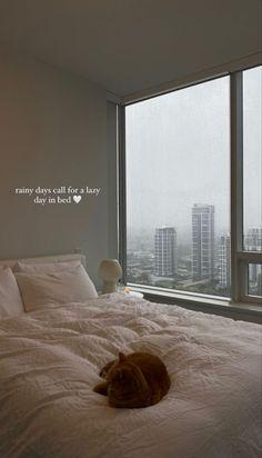 Room Ideas Bedroom, Bedroom Inspo, Bedroom Decor, Dream Rooms, Dream Bedroom, Apartamento New York, Dream Apartment, Apartment View, Aesthetic Room Decor