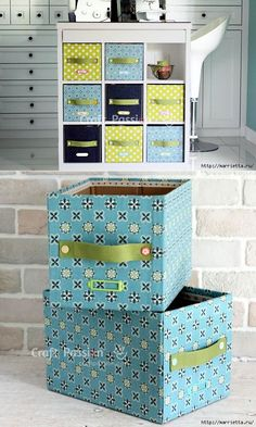 Making Customized Storage Bins from Cardboard Boxes - Her Crochet Fabric Storage Boxes, Cube Storage, Storage Bins, Cardboard Furniture, Cardboard Crafts, Diy Furniture, Cardboard Boxes, Desk Organization Diy, Diy Desk