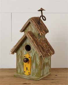 Bird House Kits Make Great Bird Houses Rustic Barn, Barn Wood, Rustic Decor, Decorative Bird Houses, Bird Houses Diy, Wooden Bird Houses, Wood Houses, Fall Yard Decor, Bird House Kits