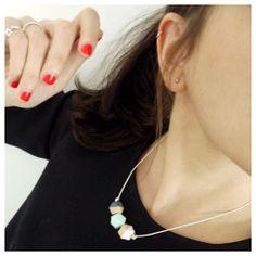 Une poule a petits pas mixing pastel & black (necklace: Shlomit Ofir's Short Wooden Polygons Necklace)