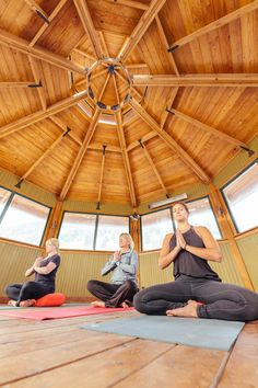 Winter mind & body classes at The Ranch at Rock Creek come in many forms, from adventurous natural movement classes to meditative forest bathing to customized indoor sessions overlooking beautiful vistas.