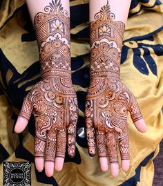 Best 12 Happy new year to everyone! 2018 has been great for me.Choosing henna as my full time career was my best decision this year. I can't… – SkillOfKing. Wedding Henna Designs, Engagement Mehndi Designs, Latest Bridal Mehndi Designs, Henna Hand Designs, Indian Mehndi Designs, Full Hand Mehndi Designs, Mehndi Designs For Beginners, Mehndi Designs For Girls, Mehndi Designs Book