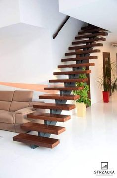 Trendy Floating Stairs Steel Woods – Decor is art Cantilever Stairs, Modern Stair Railing, Stair Railing Design, Wood Staircase, Floating Staircase, Modern Stairs, Railing Ideas, Home Stairs Design, Interior Stairs