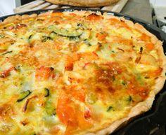 Quiche de legumes, camarão e delícias do mar