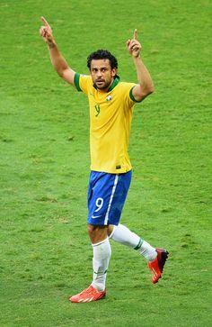 Copa das Confederações: Brasil 2 X 1 Uruguai - http://revistaepoca.globo.com//Sociedade/copa-do-mundo-2014/fotos/2013/06/copa-das-confederacoes-brasil-x-uruguai.html (Foto: Laurence Griffiths/Getty Images)
