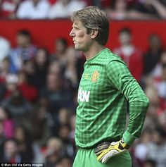 van der Sar was excellent in goal and then received a standing ovation when he was subbed off
