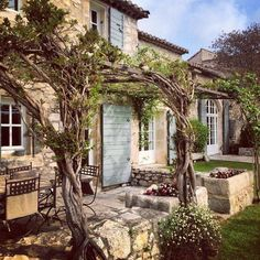 Love the terrace and steps Only Provence Villa Mas