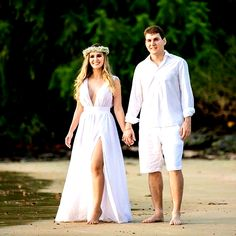 Casual Beach Wedding Party Attire Ideas For 2019 Beach Wedding Groom Attire, Beach Wedding Photos, Beach Wedding Photography, Elope Wedding, Casual Wedding, Wedding Dresses, Pre Wedding Poses, Pre Wedding Shoot Ideas, Pre Wedding Photoshoot