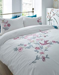 Live Chat Birds Embroidered Duvet Cover Set
