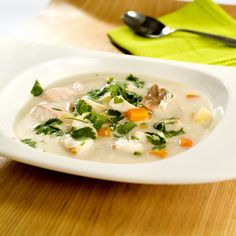 Fiskesuppe på 1-2-3 Cheeseburger Chowder, Thai Red Curry, Risotto, Food And Drink, Soup, Ethnic Recipes, Cilantro, Soups, Chowder