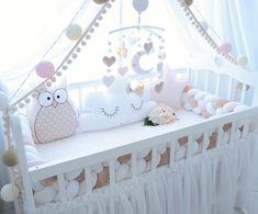 Бортики в кроватку. Декоративные подушки. Baby. Подушка облачко, звезда, заяц, сердце, луна, мишка, кот. Коса. Плед.Мобиль. Вязаный плед.