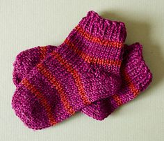 Ravelry: Toe Up Baby Socks pattern by Sheila Toy Stromberg Knitting For Kids, Easy Knitting, Baby Knitting Patterns, Knitting Socks, Baby Patterns, Knitting Ideas, Knit Or Crochet, Crochet Baby, Brei Baby