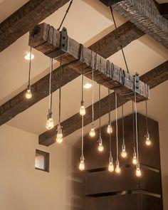 me encanto esta lampara rustica, ideal para la casa en el campo, o para una casa en la playa o ciudad con techo a dos aguas