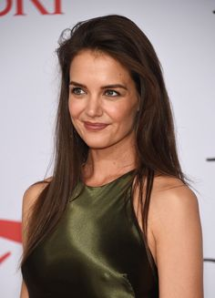 Katie Holmes Long Straight Cut - Katie Holmes opted for a simple straight cut when she attended the CFDA Fashion Awards.