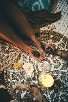 Interview With A Henna Artist + Cute and Easy Tattoo Designs To Try! | Free People Blog #freepeople
