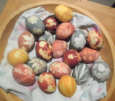 Beautiful Easter Eggs, decorated by nature.